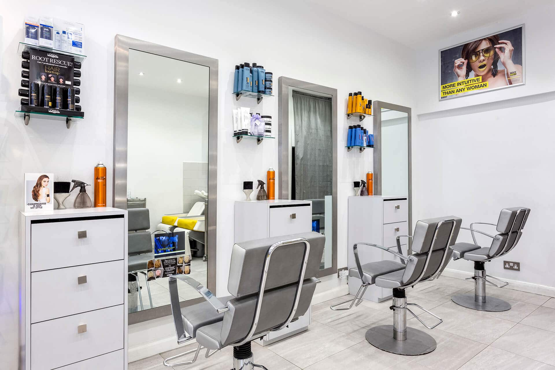 Why_Not_Hairdressing_inside_of_salon_1