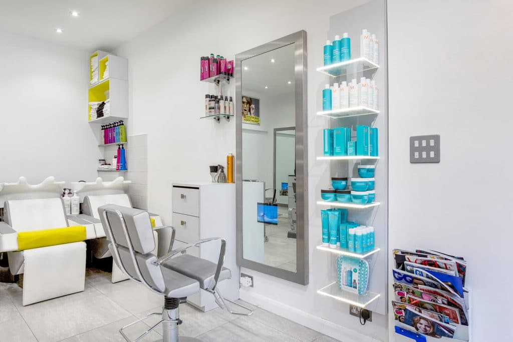 Why_Not_Hairdressing_inside_of_salon_4